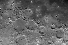 Moon_220418_lapl4_ap1237_Drizzle15_conv